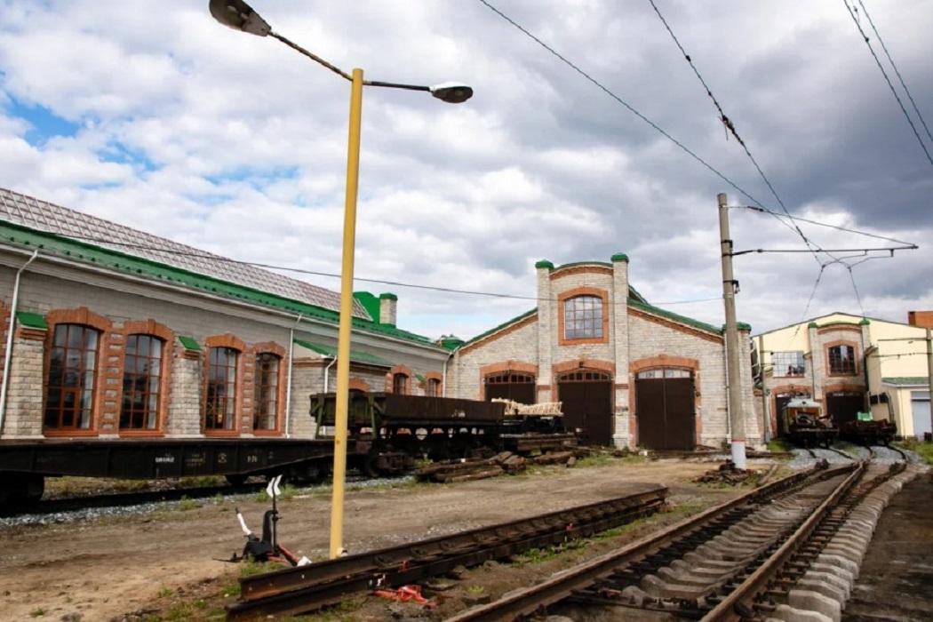 Волонтёры «Сима-Ленда» готовят депо 19 века на вокзале Екатеринбурга под музей