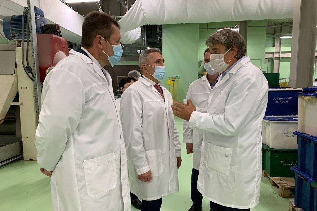 Александр Моор посетил новый цех кондитерской фабрики «Кураж»