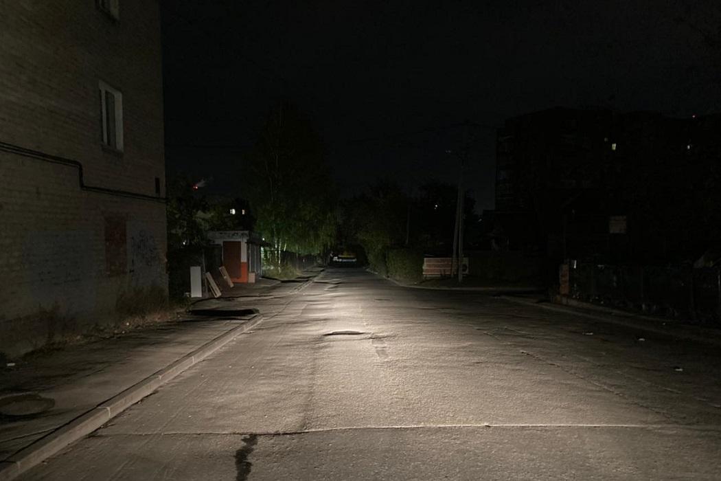 В Екатеринбурге водитель Фольксвагена сбил перебегавшего дорогу 9-летнего мальчика