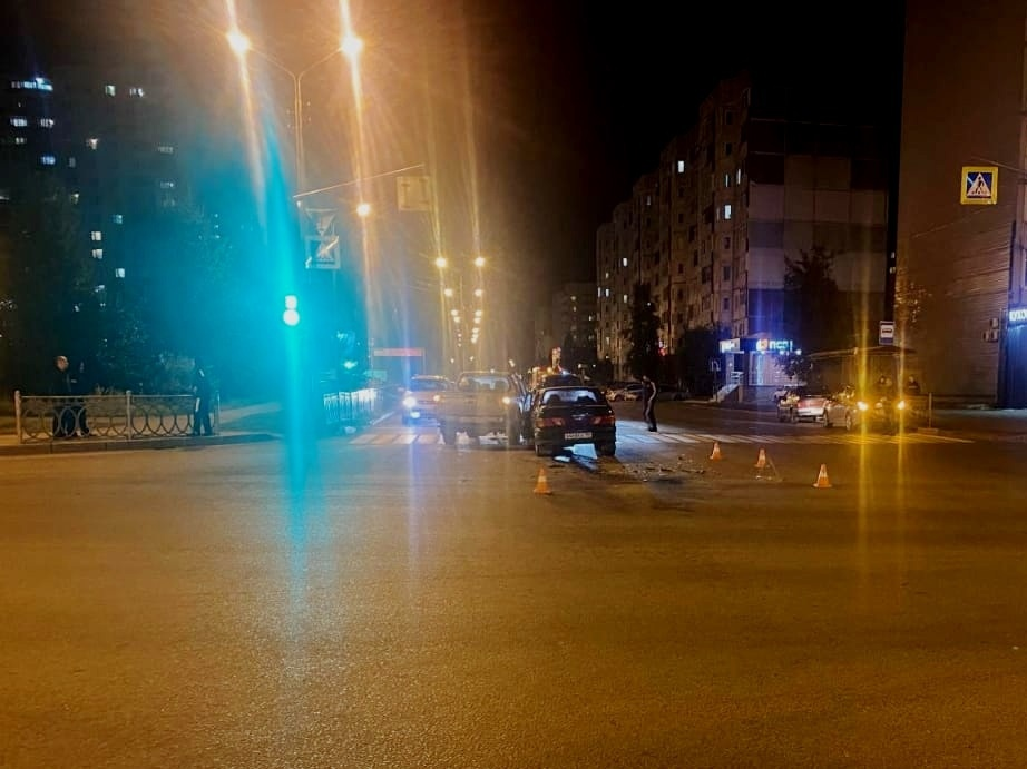 Двое молодых людей пострадали в ДТП в Нижневартовске
