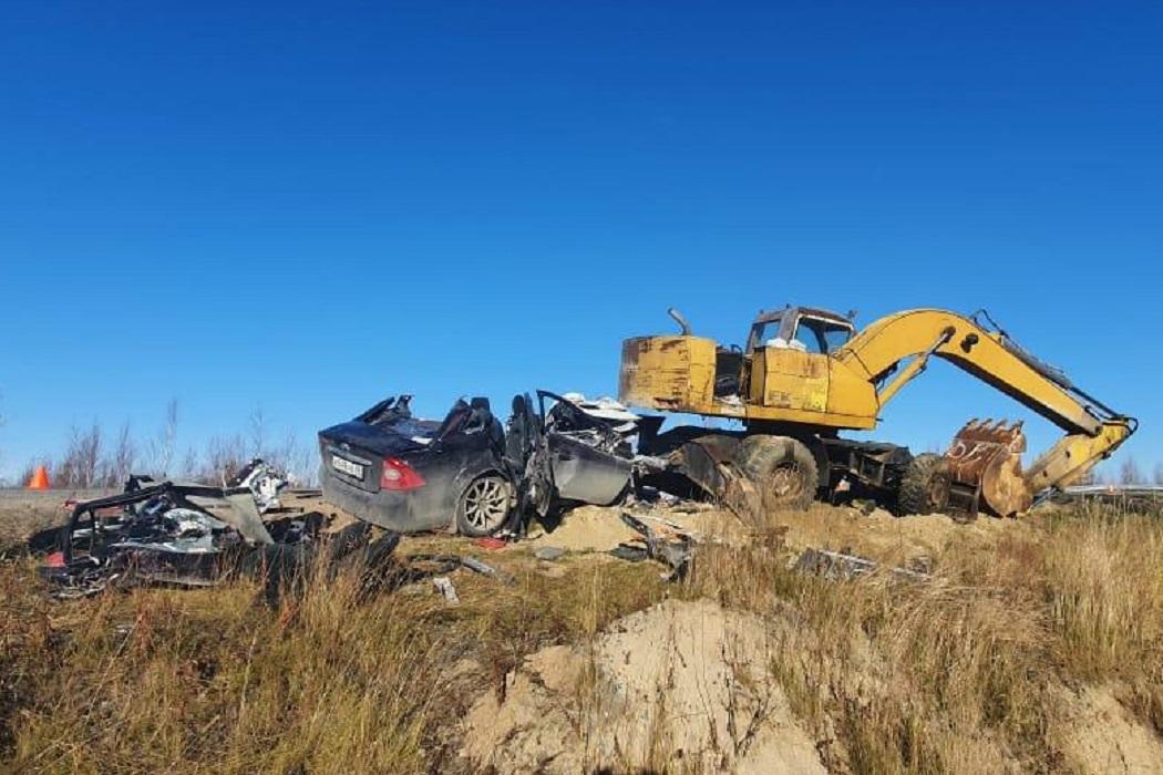 На Ямале водителя, погибшего в ДТП с экскаватором, проверят на опьянение