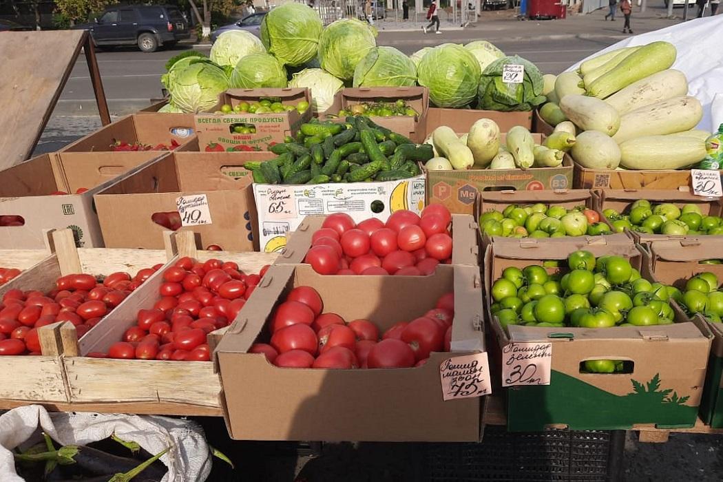 Овощи + помидоры + перцы + кабачки + огурцы + капуста + ярмарка + торговля