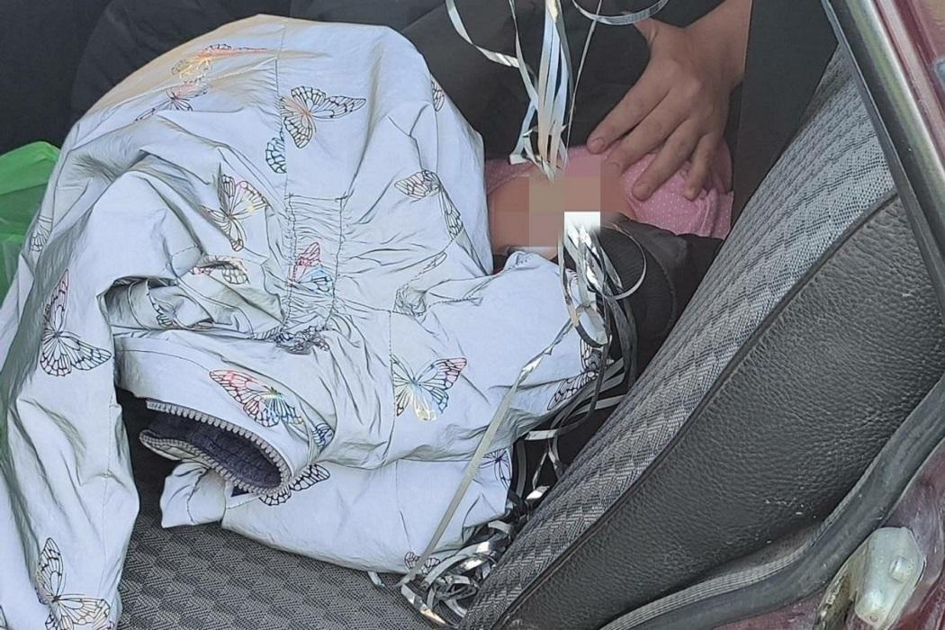 Под Тюменью автоинспекторы остановили «семёрку» с младенцем без детской люльки