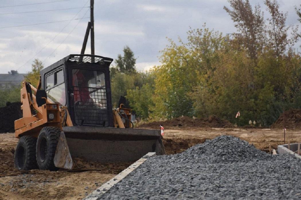 Щебёнка + трактор + щебень + стройка + строительство