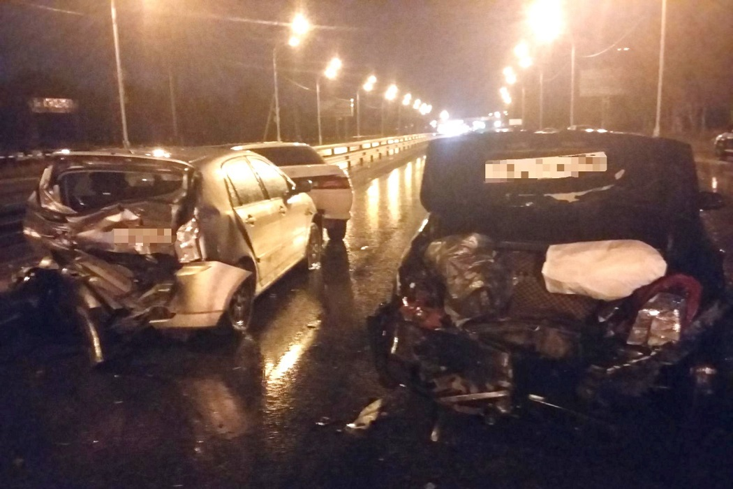 Три человека пострадали в массовом ДТП в Нижневартовске