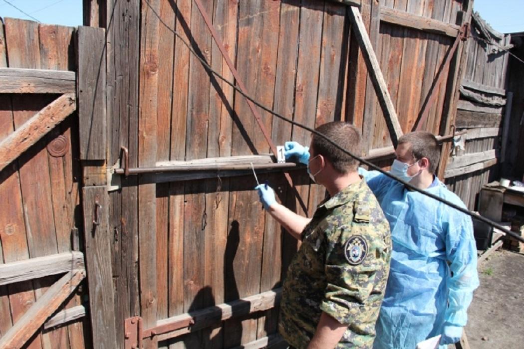 Убийство + ворота + следователь + криминалист + забор + следственная группа + место происшествия + ОМП