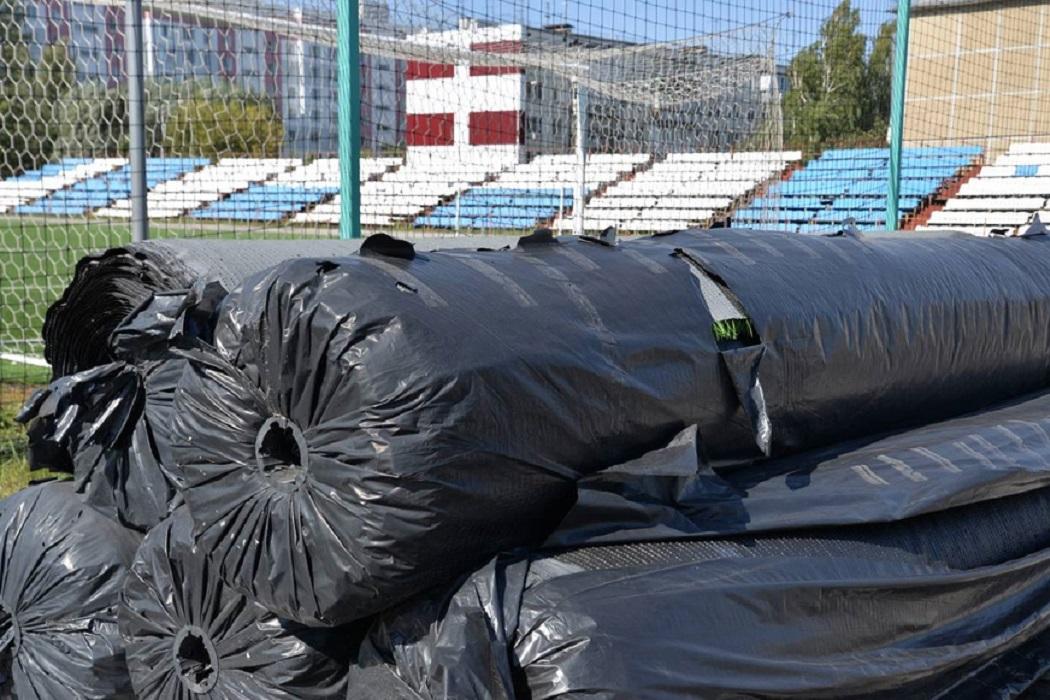В Кургане сделают новое мини-футбольное поле на школьном стадионе