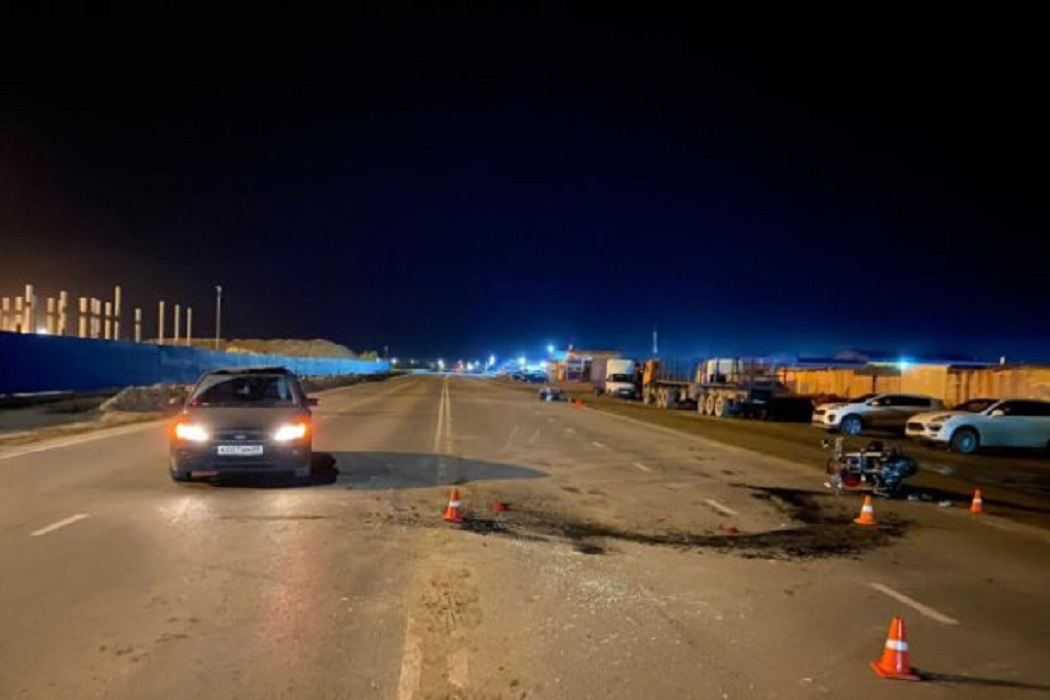 В Новом Уренгое два мотоциклиста пострадали в ДТП с иномаркой
