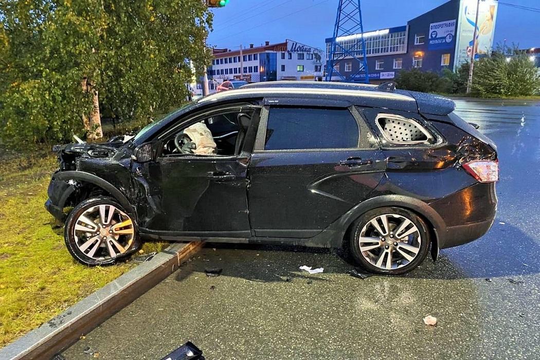 В Сургуте водитель «Лады» устроил ДТП с двумя пострадавшими