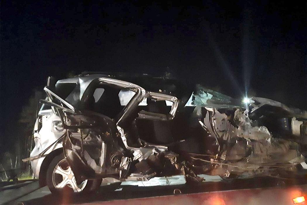 В Югре водитель иномарки столкнулся с экскаватором и «Нивой» 1В Югре водитель иномарки столкнулся с экскаватором и «Нивой» 1