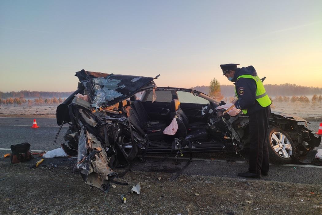 На Урале два человека погибли в ДТП при столкновении Subaru с фургоном из-за тумана