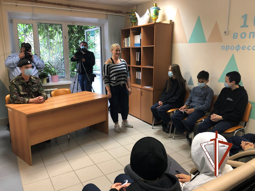 Сотрудник ОМОН стал участником проекта «101 вопрос профессионалу» в Югре