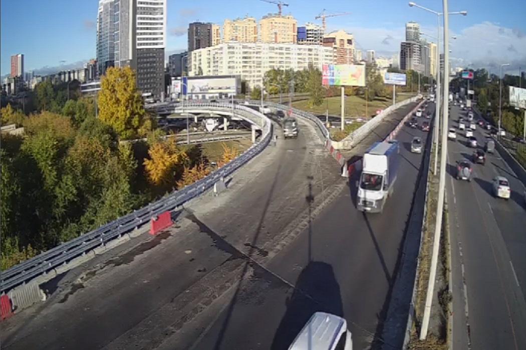 Мост на развязке Луганской-Объездной открыли в Екатеринбурге