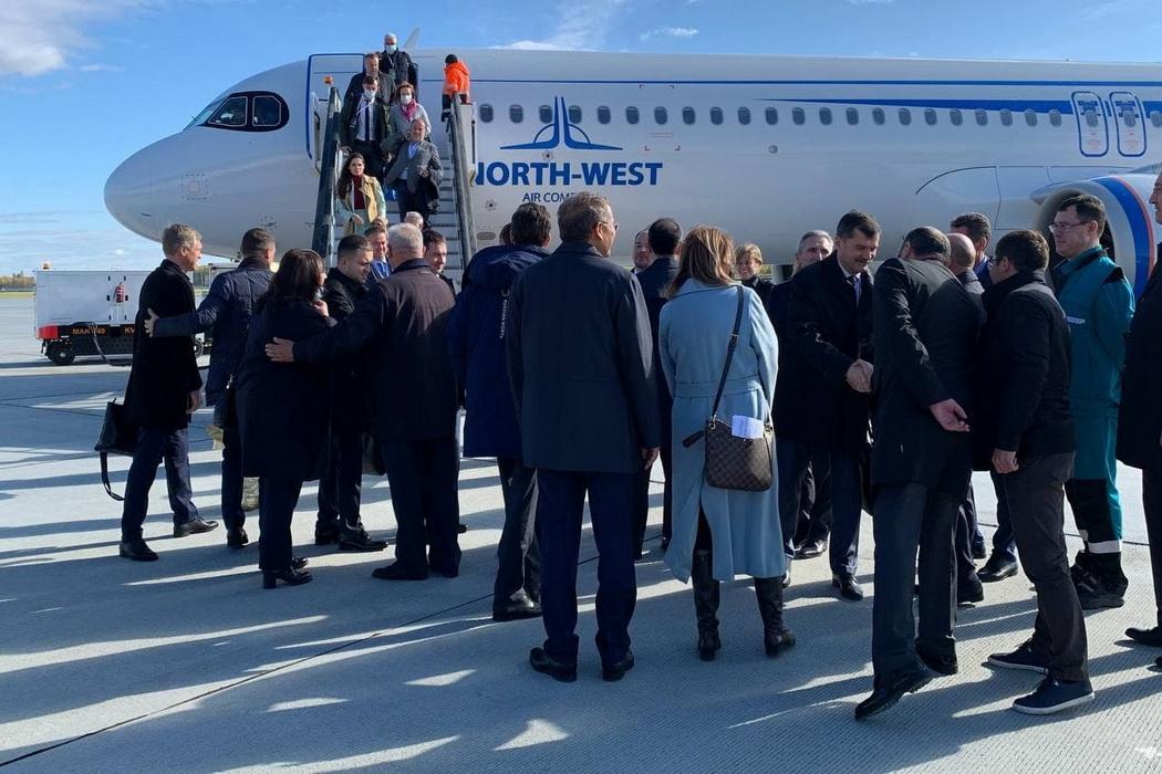 В аэропорту Тобольска приземлился первый самолет