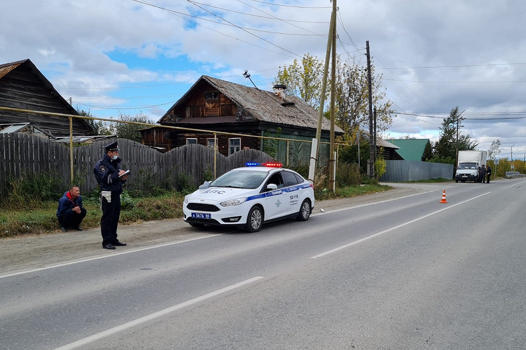 В Сысерти пьяный водитель насмерть сбил 47-летнюю женщину на обочине