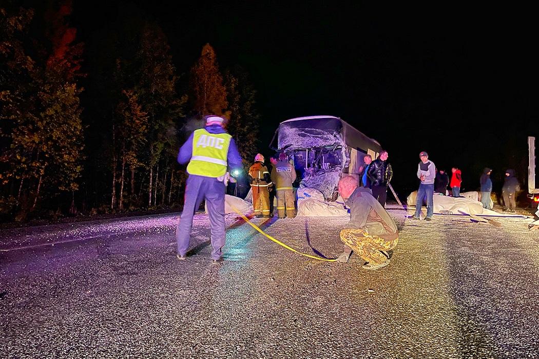 Пять человек пострадали в ДТП с автобусом и КАМАЗом на Серовском тракте