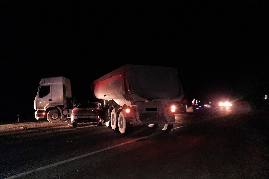 Три человека пострадали В ДТП с грузовиком и Kia Rio на Серовском тракте