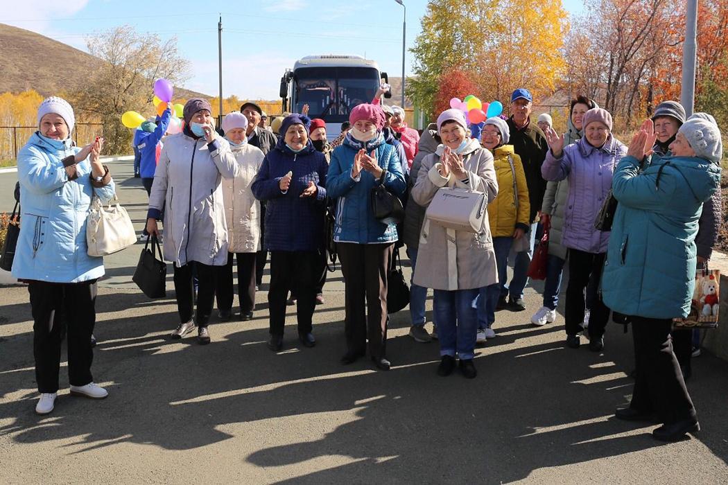 Ветераны Медногорского МСК приняли участие в спортивно-творческом марафоне «Территория Life»