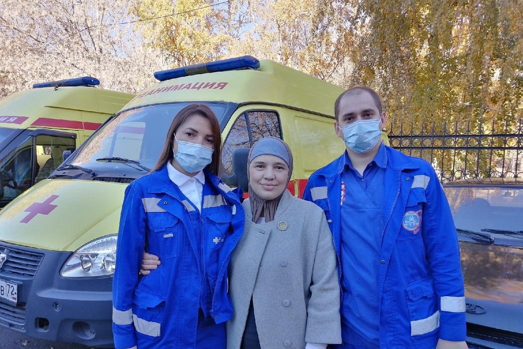 Тюменские медики скорой спасли младенца с остановкой сердца