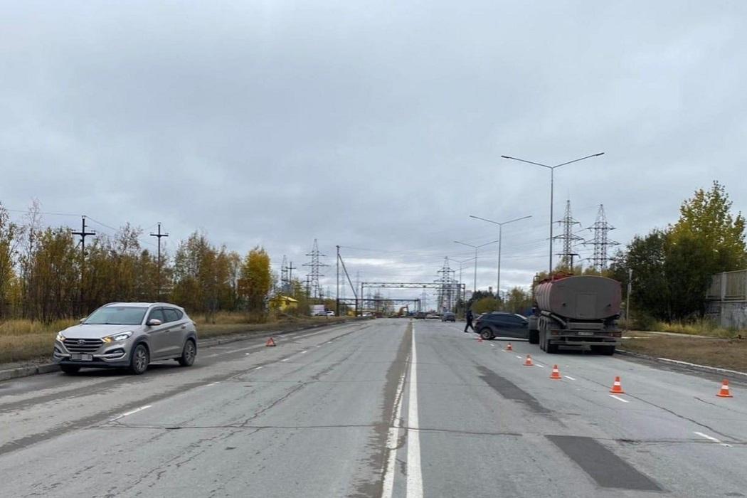 В Нижневартовске автоледи на «Киа» устроила массовое ДТП 1
