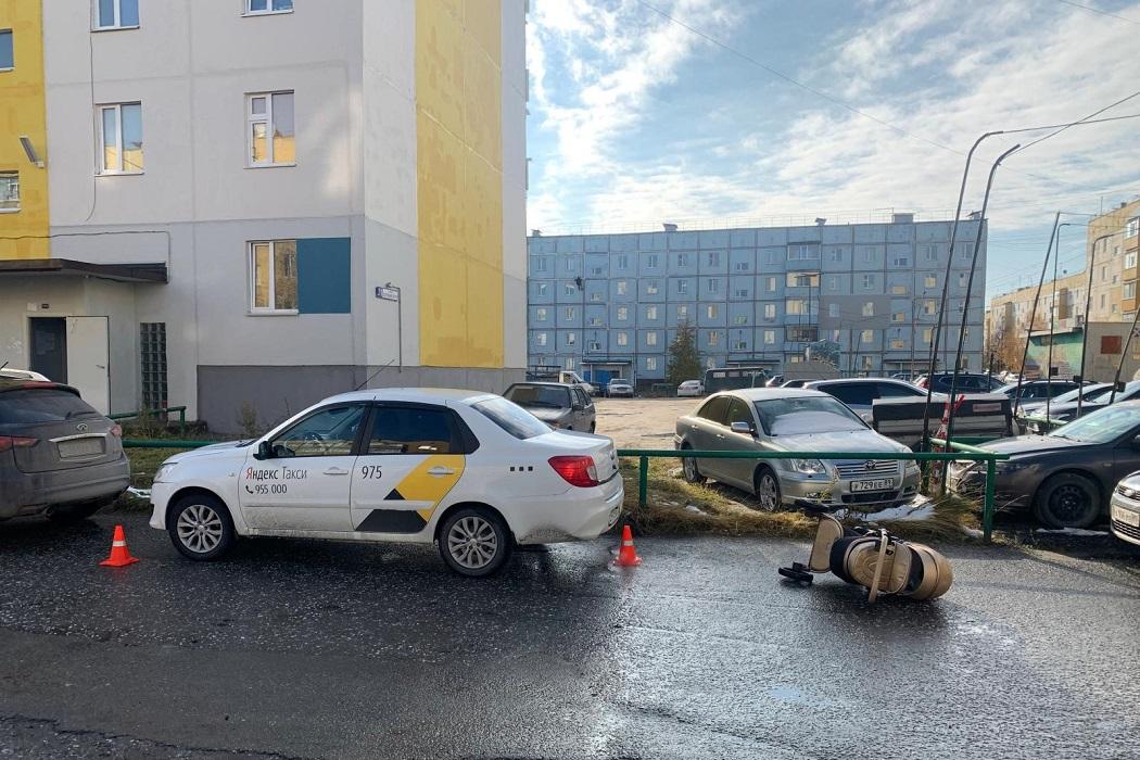 В Ноябрьске водитель иномарки сбил женщину с коляской 1
