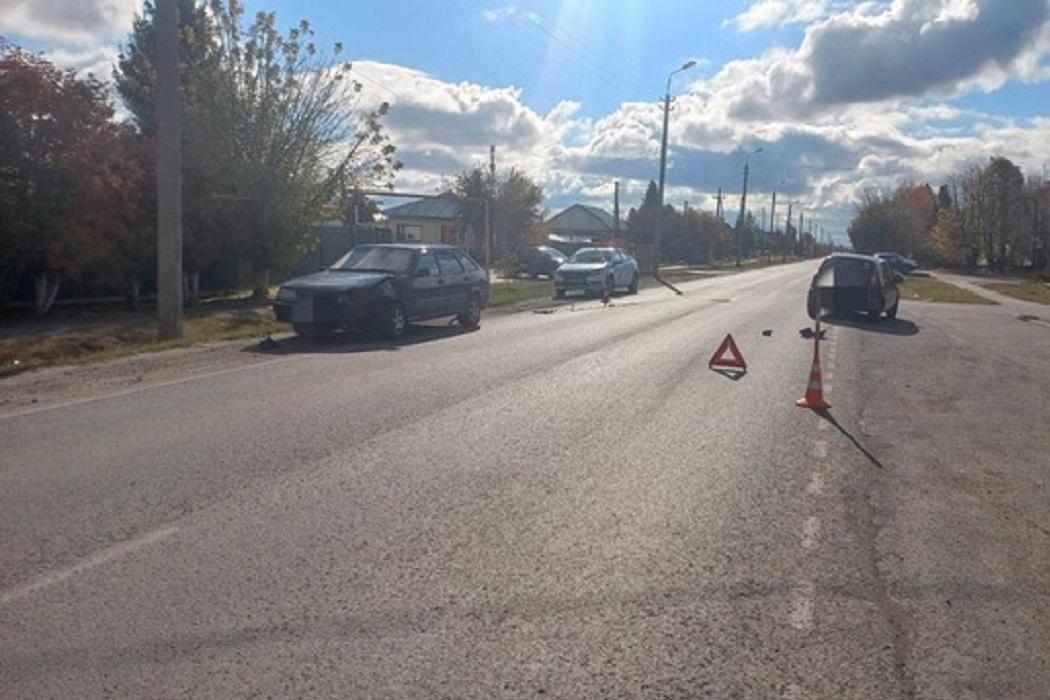 В Ялуторовске пьяный водитель «Лады» устроил ДТП с пострадавшей