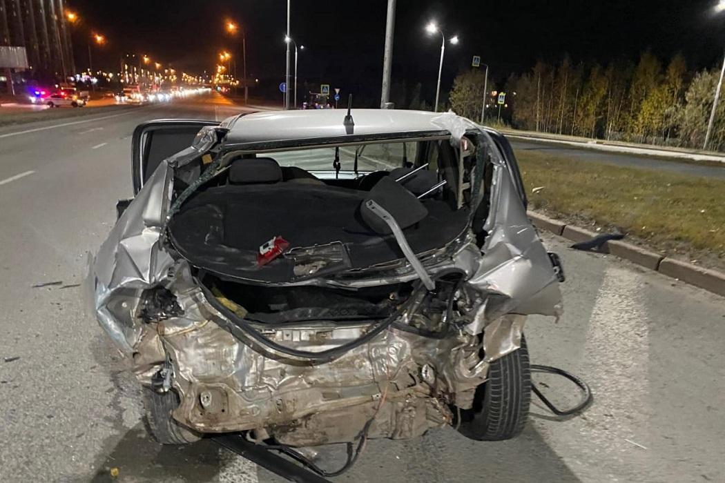 В массовом ДТП в Сургуте пострадали двое взрослых и ребёнок