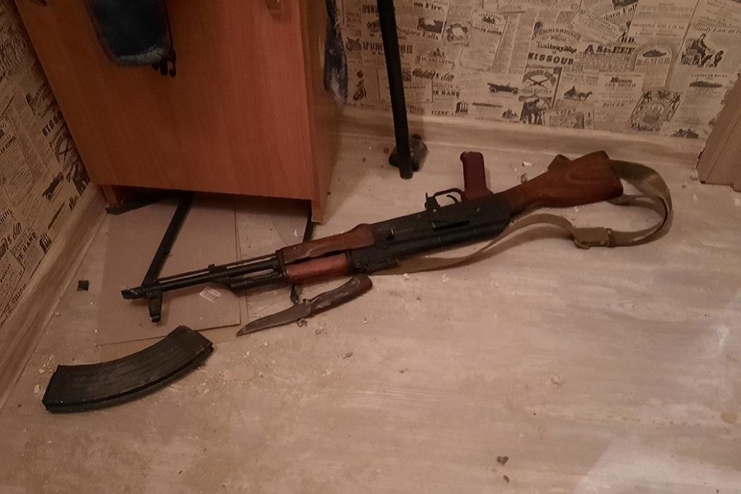 «Химашевский стрелок» перед пальбой с балкона удерживал соседа в квартире