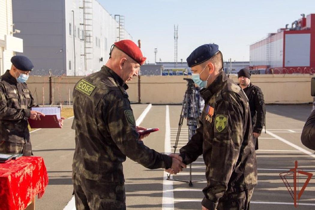 В Югре отметили день специальных отрядов быстрого реагирования