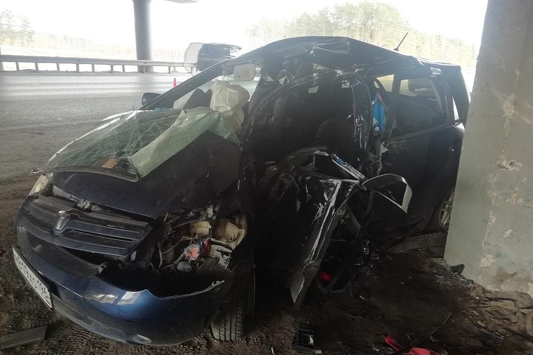 В Екатеринбурге в двух ДТП погибли 31-летняя женщина и 8-летний мальчик