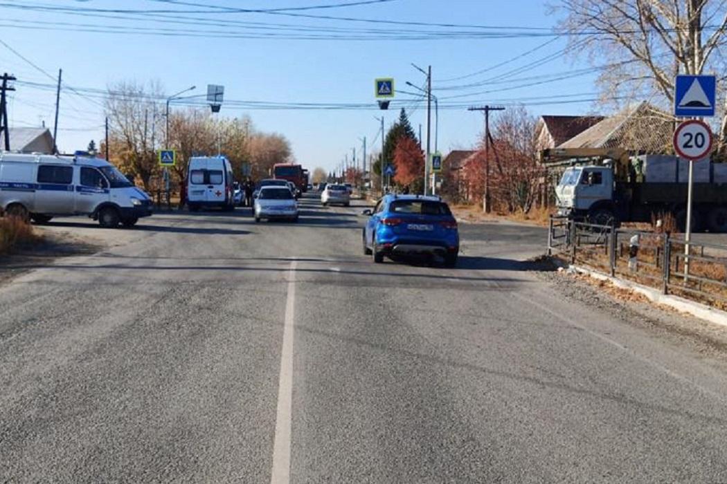 В Арамиле 67-летний водитель Ford сбил 14-летнюю девочку на переходе
