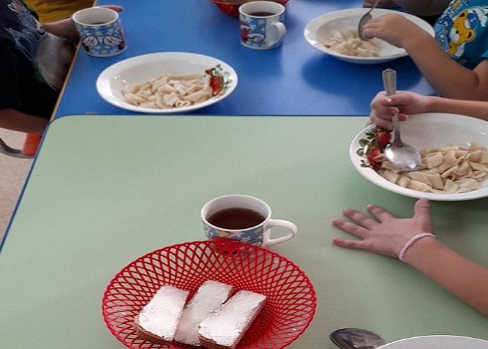 В курганском селе родители пожаловались на качество питания в детском саду