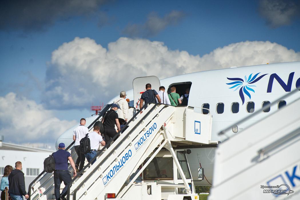 Аэропорт Кольцово самолет пассажиры