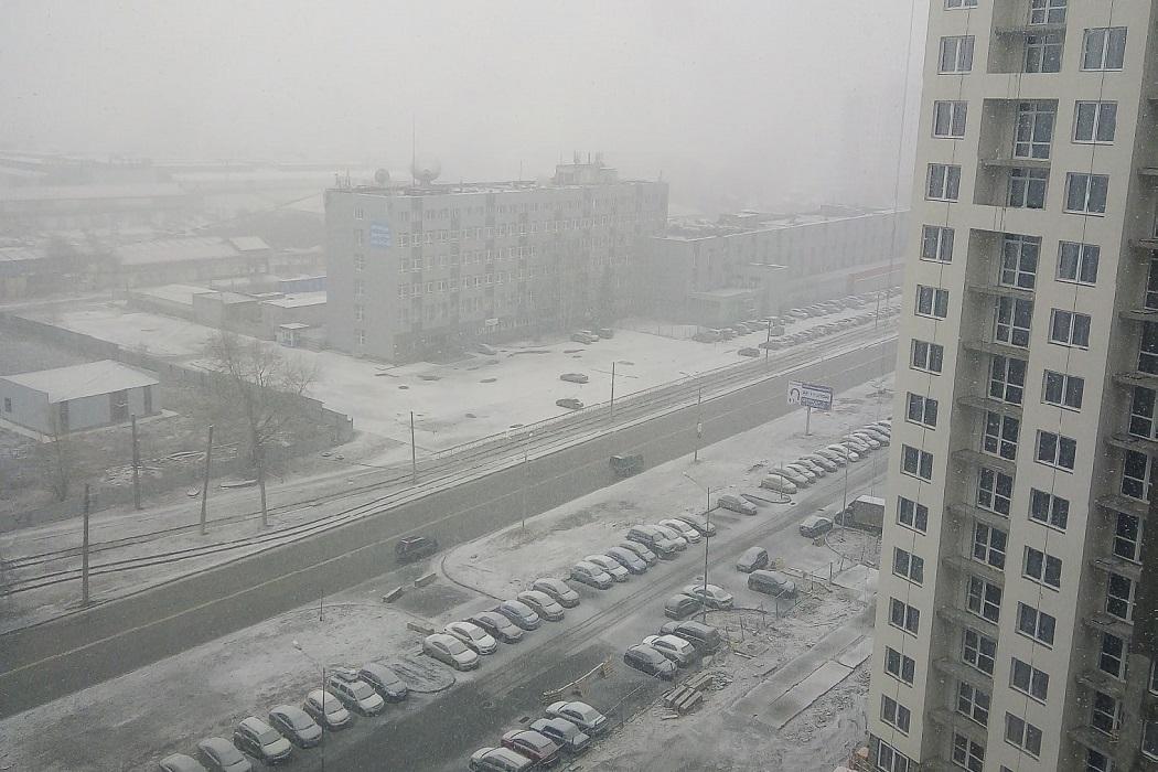 снег новостройка весна