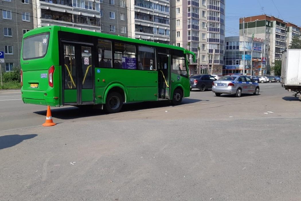 Ребёнок выпал из автобуса