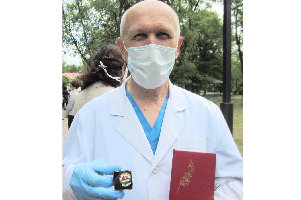 Тюменский врач-психиатр получил Знак «Отличник здравоохранения»