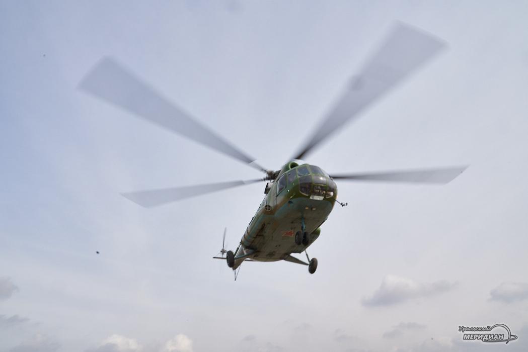 Над Екатеринбургом пролетели боевые вертолёты Ми-8