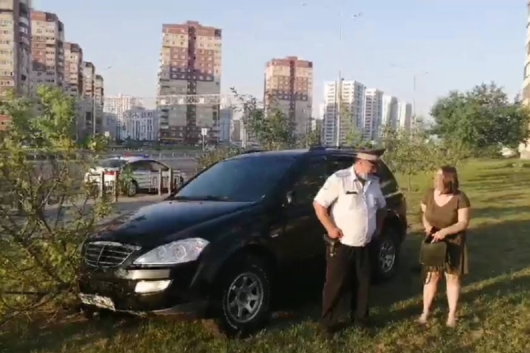 В Тюмени медики скорой помогли задержать пьяную автоледи 1