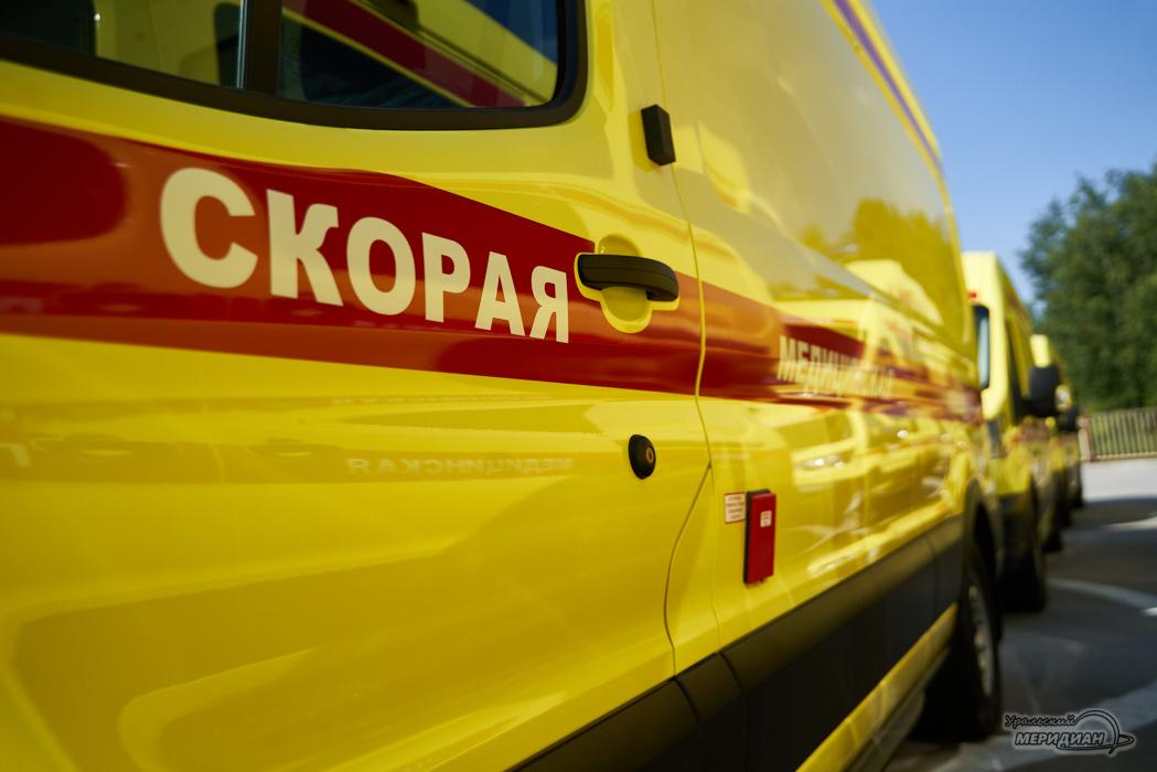 В Тракторозаводском районе Челябинска 2-летний мальчик выпал из окна
