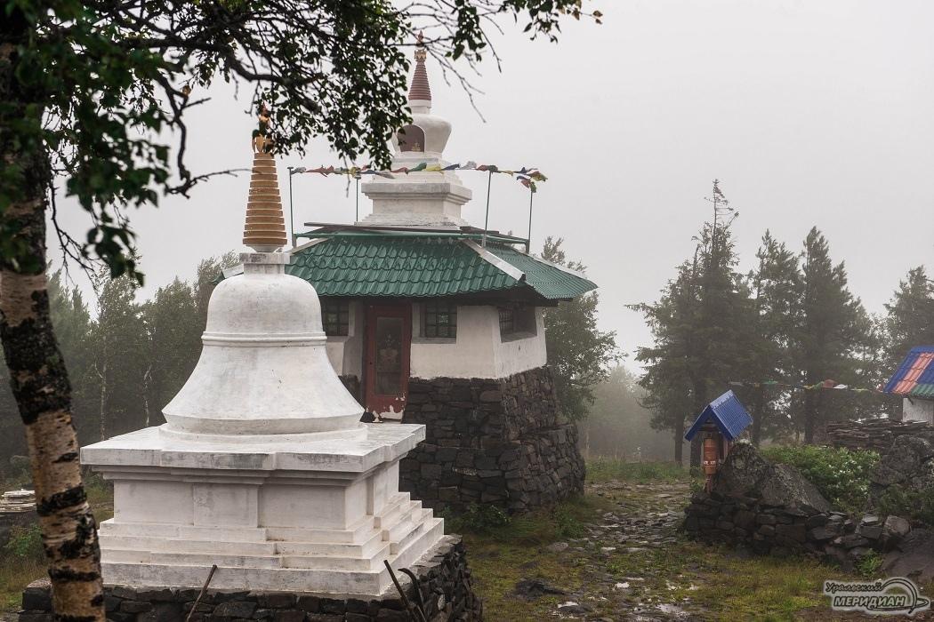 Туристы заблудились на горе Качканар на пути к буддийскому монастырю