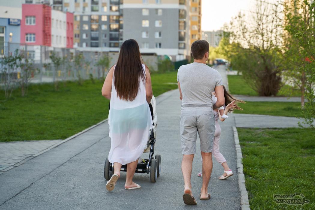 дорога семья коляска ребенок