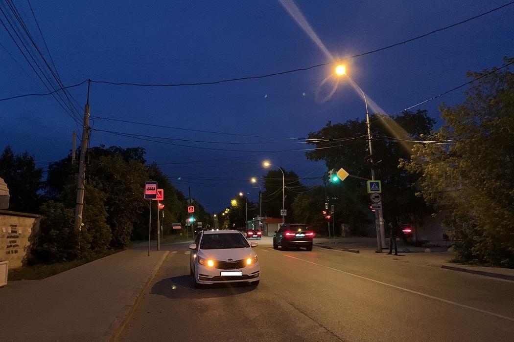 В Екатеринбурге машина сбила 7-летнюю девочку