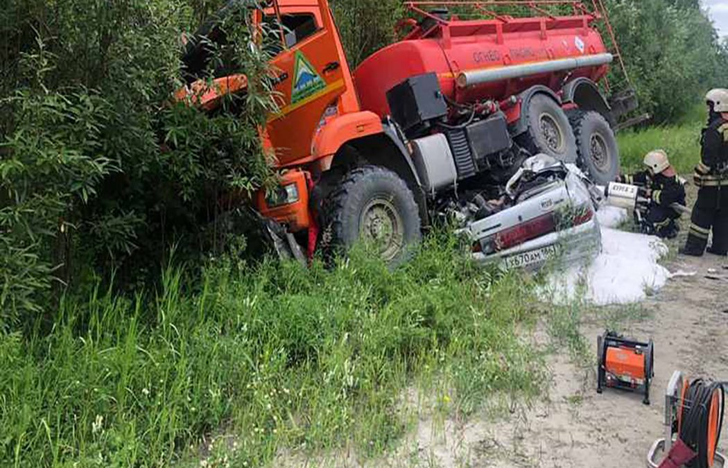 Трое человек умерли в ДТП с КАМАЗом в Югре