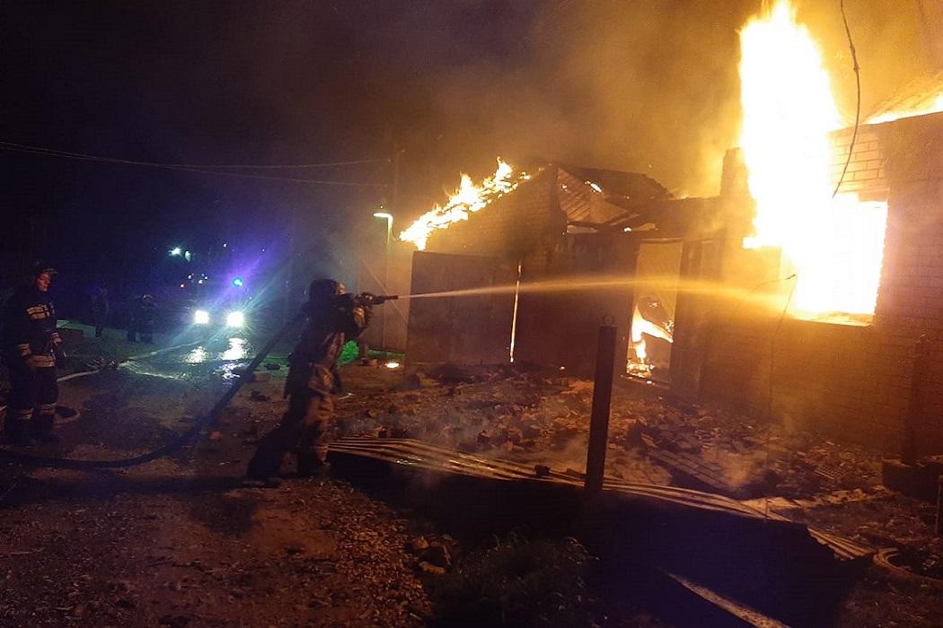 В Горном Щите сгорел частный жилой дом