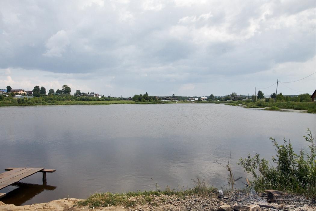 reka ozero bereg voda 1