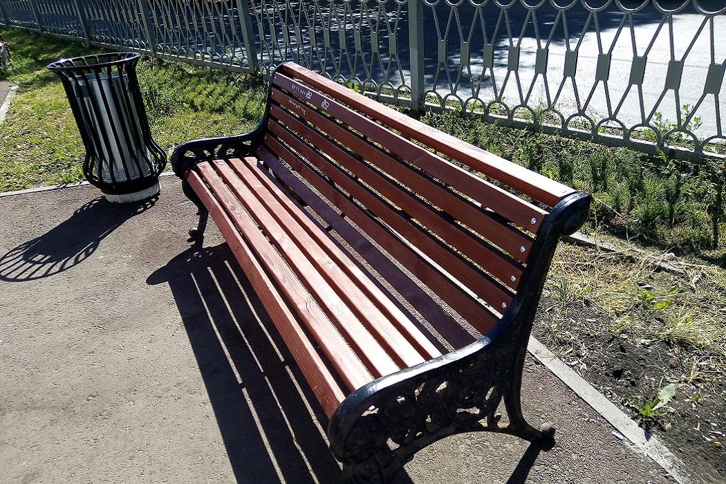 В Екатеринбурге с аллеи на Химмаше украли скамейки