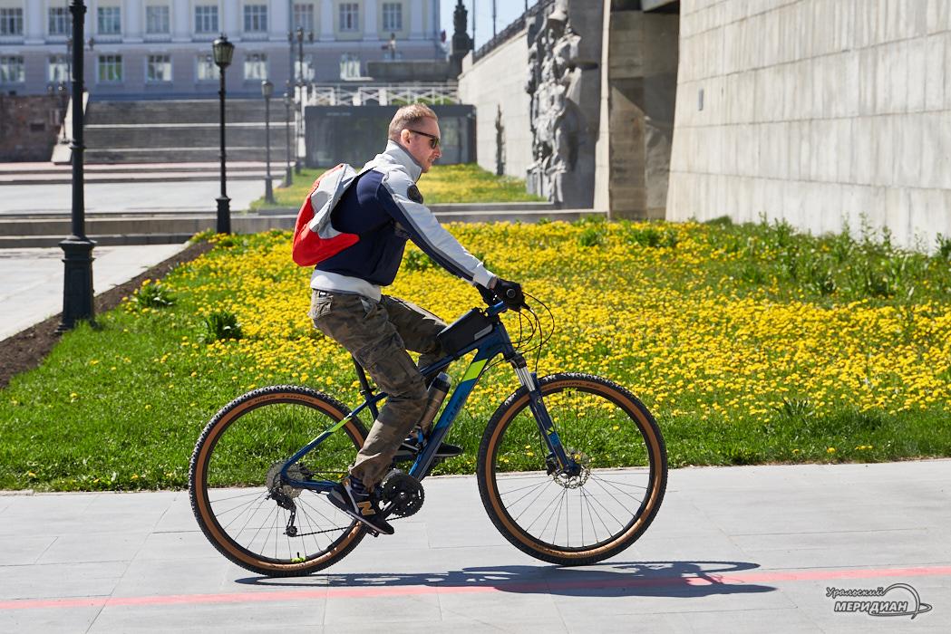 велосипедист Екатеринбург