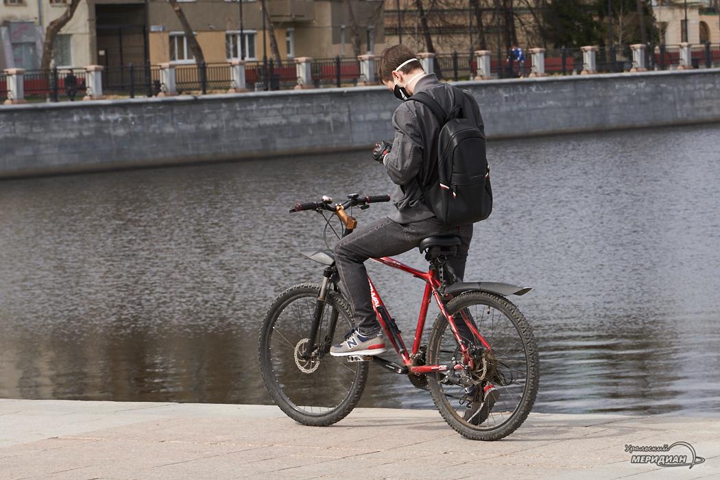 velosipedist naberezhnaya karantin
